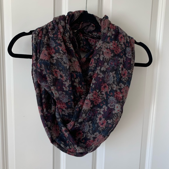 H&M Accessories - H&M dark floral lightweight scarf